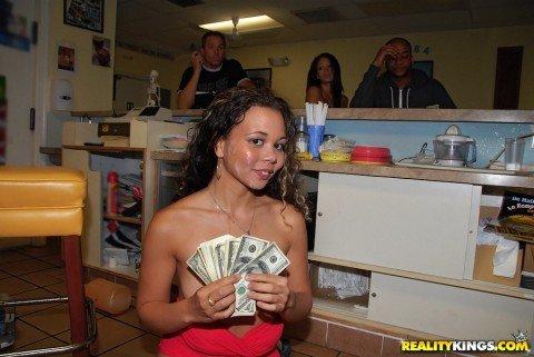 moneytalks-amateur-bitches-fuck-for-money-nychole